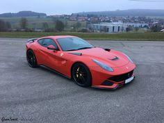 Klasyka w najlepszym wydaniu 😍  Połączenie charakterystycznego, czerwonego koloru, wolnossącego silnika V12 oraz czarnych dodatków #NOVITECROSSO 🖤  Ferrari perfekcyjne? Czy może wolicie je w naszym wydaniu: https://gransport.pl/blog/realizacja-ferrari-f12-berlinetta-novitec-rosso// 💪  ✔ Oficjalny Dealer NOVITEC GROUP GranSport - Luxury Tuning & Concierge https://gransport.pl/marki/novitec.html