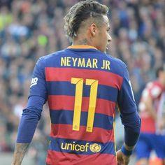 30.01.16 Barcelona 2 - 1 Atlético de Madrid !! #Neymar #Fcbarcelona #LaLiga !! ⚽ Good Soccer Players, Football Players, Fc Barcelona, Soccer Poses, Neymar Pic, Nike Football Boots, Sport Inspiration, Best Player, Lionel Messi
