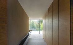 London-based architect Claudio Silvestrin has the minimalist approach down to a T, and his latest residential office – a single-family house in the area of Hampstead Village, in the British capital's north-west – is a case in point. Cannon Lane H...