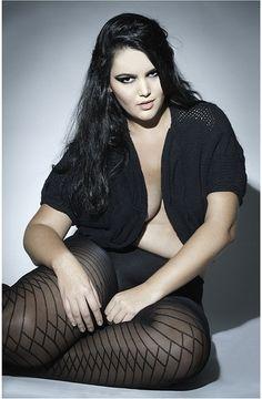 Cleo Fernandes Curvy Plus Size, Plus Size Model, Beautiful Curves, Sexy Curves, Beautiful Women, Simply Beautiful, Beautiful People, Sexy Women, Curvey Women