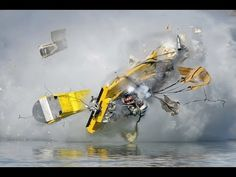 A drag boat disintegrates in a high-speed crash at the Napa Auto Parts World Fast Boats, Speed Boats, Power Boats, Drag Boat Racing, Flat Bottom Boats, Yacht Boat, Yacht Club, Wooden Boats, Race Day