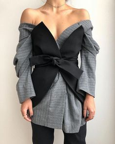 Image Fashion, Fashion Line, Fashion Details, Star Fashion, Girl Fashion, Womens Fashion, Fashion Design, Couture Fashion, Hijab Fashion