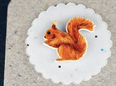 hand drawn squirrel brooch - Animal Pin - SQUIRREL - hand-drawn - redbrown - fall colours - for the left side