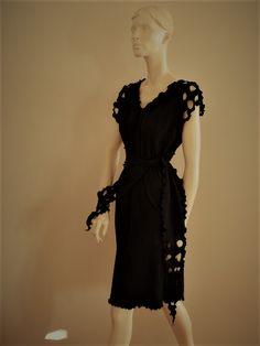 Vaateviidakko: Trikoomekkoja, taidetta ja muoti-ilmiöitä Handmade Dresses, Diy Dress, Diy Clothes, Black, Fashion, Diy Clothing, Moda, Black People, Fashion Styles
