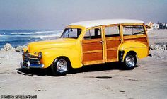 Ford Woody, Redondo Beach, still the car of my dreams. Carros Vw, Station Wagon Cars, E Skate, Beach Cars, Woody Wagon, Vintage Surf, Vintage Yellow, Surfer Style, American Classic Cars