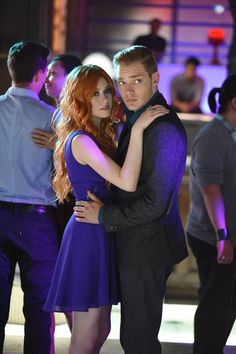 "#Shadowhunters 1x10 ""This World Inverted"" - Clary and Jace"