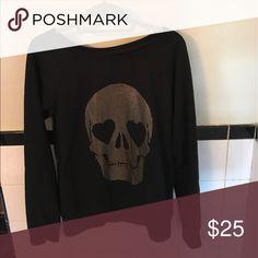 Vans skull sweatshirt Golden skull with heart shaped eyes. Sweatshirt in top condition Vans Tops Sweatshirts & Hoodies