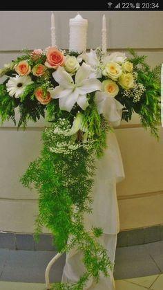 Altar Flowers, Church Flower Arrangements, Church Flowers, Wedding Table Flowers, Wedding Bouquets, Floral Arrangements, Church Christmas Decorations, Arte Floral, Ikebana