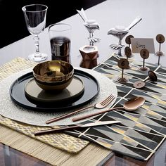 Mixed metallics on a modern holiday table