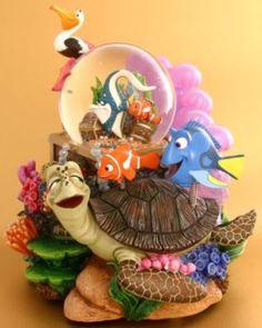 Disney Snowglobes Collectors Guide: Finding Nemo Snowglobe