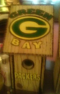 Green Bay Packers birdhouse
