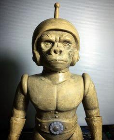 """電子猿人 ELECTRIC APE making of.  A more detailed sculpt, we use the pencil to layout the wrinkle before sculpting. And in case you didn't notice, we reused the buckles from our Fake Spectreman No.4 for ELECTRIC APE.  Awesome Toy new Sofubi series """"猿の戦争 War of the Apes"""". The first figure """"電子猿人 ELECTRIC APE"""" now available Worldwide at Medicom Toy and your local toy stores.  http://medicomtoy.co.jp/list/12001.html  ELECTRIC APE stand about 11"""", come with a hand made vinyl scarf and a…"""