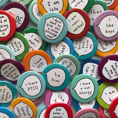 """Love love love these pins from who designs functional pin badges that make the invisible visible. """"I aim to make life easier,""""… Button Badge, Button Button, Badge Design, Friend Outfits, Cute Pins, Pin And Patches, Pin Badges, Sticker Design, Pin Collection"""