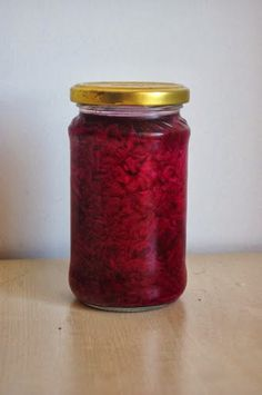Egy üveg egészség: Savanyított vörös káposzta Mason Jars, Cooking, Food, Kitchen, Essen, Mason Jar, Meals, Yemek, Brewing