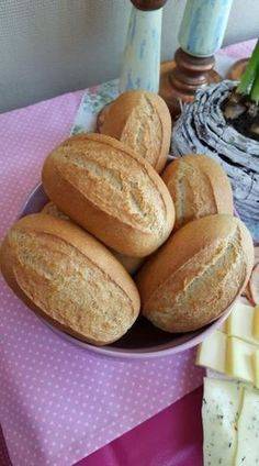 Today I have a totally simple and quick recipe for you for baguette rolls. I bo. - Today I have a totally simple and quick recipe for you for baguette rolls. I bought a baguette tra - Quick Dessert Recipes, Quick Recipes, Pizza Recipes, Easy Desserts, Bread Recipes, Cooking Recipes, Cooking Time, Brotchen Recipe, Homemade Rolls