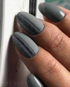Nail art Christmas - the festive spirit on the nails. Over 70 creative ideas and tutorials - My Nails Gray Nails, Love Nails, Pink Nails, Glitter Nails, Pretty Nails, Grey Nail Art, Manicure Nail Designs, Nail Polish Designs, Manicure And Pedicure