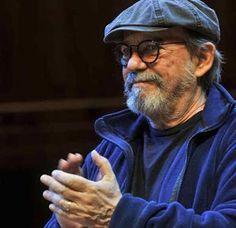 """Silvio Rodríguez durante la presentación de su libro """"Por todo espacio, por este tiempo"""", en el Centro Cultural Kirchner."""