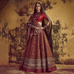 Latest Bridal Lehenga Designs by Sabyasachi - Fashion Foody Latest Bridal Lehenga, Designer Bridal Lehenga, Indian Bridal Lehenga, Indian Bridal Outfits, Indian Bridal Fashion, Indian Bridal Wear, Indian Fashion Dresses, Indian Designer Outfits, Indian Bridal Couture
