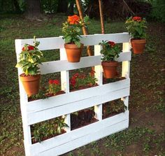 Recycled Wood Pallet Vertical Garden 2