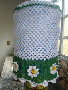FEITO COM LINHA ANNE R$ 40,00 Crochet Home, Crochet Crafts, Crochet Doilies, Crochet Flowers, Decoration, Diy And Crafts, Projects To Try, Crochet Patterns, Stitch