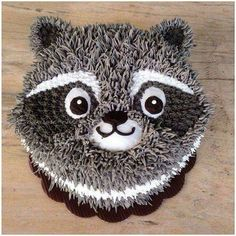 Raccoon cake but turn it into a rabbit :) Pretty Cakes, Cute Cakes, Cake Decorating Tips, Cookie Decorating, Bolo Tumblr, Decoration Patisserie, Animal Cupcakes, Buttercream Cake, Cake Art