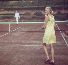 Yellow on the tenniscourt