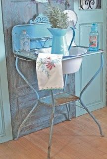 This old wash stand would be fab on a porch and planted with flowers!!!