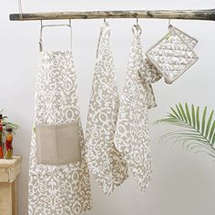 DINY Home /& Style 3 Piece Kitchen Set Includes Towel Pot Holder /& Oven Mitt Owl Design