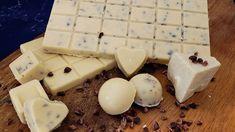 How To Make Keto White Chocolate | Keto Cookies And Cream Bar | Keto Fat Bomb Recipe - YouTube White Chocolate Recipes, Chocolate Fat Bombs, White Chocolate Cookies, Chocolate Molds, Keto Fat, Low Carb Keto, Keto Friendly Chocolate, Keto Candy, Cream Recipes
