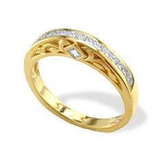 Yellow Gold Na Hoku Princess Cut Wedding Band with Diamonds
