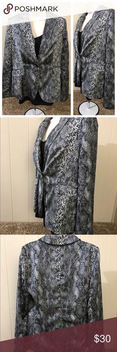 Dana Buchman silky blazer Like new 100% polyester Dana Buchman Jackets & Coats