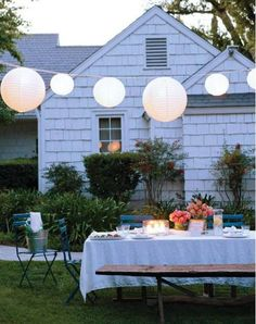 dinner outside with friends {need to do this on a cool fall evening}