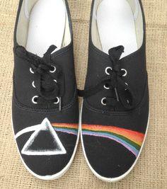 Zapatillas pintadas a mano - Painted sneakers - Mamy a la obra