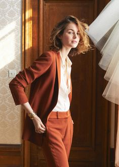 Charlie BrearCharlie BrearSézaneSezaneCharlie Brear Charlie BrearSézane sezane You are in the right place about Androgynous Wedding hair Here we offer you the most beautiful pictures about the Androgynous Wedding outfit you are looking for. Office Outfits, Casual Outfits, Fashion Outfits, Grunge Outfits, Style Garçonne, Work Fashion, Fashion Beauty, Suits For Women, Clothes For Women