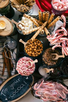 Our Favorite Hot Cocoa Bars for National Hot Chocolate Day! Hot Chocolate Party, Cocoa Party, Christmas Hot Chocolate, Chocolate Slim, Hit Chocolate Bar, Hot Chocolate Bar Wedding, Hot Cocoa Recipe, Cocoa Recipes, Hot Chocolate Recipes