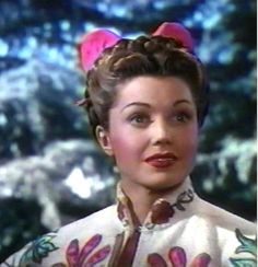 Esther Williams, in ''Bathing Beauty'' 1944 Old Hollywood Glamour, Golden Age Of Hollywood, Vintage Hollywood, Hollywood Stars, Classic Hollywood, Vintage Tv, Katharine Hepburn, Audrey Hepburn, Female Actresses