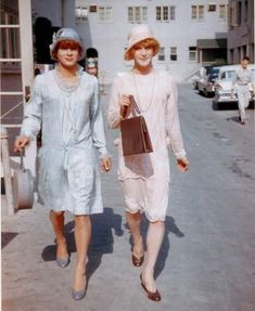 """Tony Curtis as Josephine & Jack Lemmon as Daphne on the studio lot while making """"Some Like It Hot"""" (1959)."""