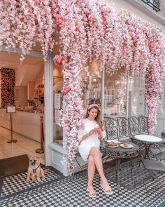 Cafe Shop Design, Cafe Interior Design, Store Design, Pink Cafe, Flower Shop Design, London Cafe, Cute Cafe, Garden Cafe, Diy Room Decor