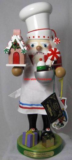 New Steinbach Gingerbread House Baker Santa Christmas Nutcracker - SIGNED German Christmas Pyramid, Christmas Love, Christmas Holidays, Merry Christmas, Christmas Gifts, Christmas Decorations, Christmas Ornaments, German Nutcrackers, Christmas Soldiers