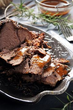 Lassan sült marhacomb recept - Kifőztük, online gasztromagazin Russel Hobbs, Paleo, Carne, Crockpot, Slow Cooker, Food And Drink, Desserts, Recipes, Advent