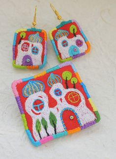 """Jewellery Set - Brooch with Earrings """"Hundertwasser House"""" hand embroidered via Etsy"""