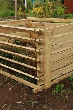 Easy-Load Wooden Compost Bin - Small - 449 Litres - by Lacewing™ Garden Tool Shed, Garden Compost, Gardening, Backyard Projects, Garden Projects, Compost Maker, Wooden Compost Bin, Compost Container, Composting Process