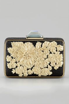 Clutch negro con flores   Supernatural Style