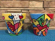 Macetas Pintadas - $ 115,00 en Mercado Libre Painted Plant Pots, Painted Flower Pots, Decorated Flower Pots, Clay Pot Crafts, Pottery Painting, Art Furniture, Clay Pots, Painting For Kids, Stone Painting
