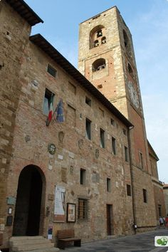 A Day in Colle di Val d'Elsa: Visiting the Medieval Hilltop Town near Siena
