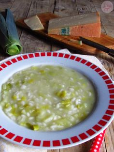 Minestra di riso con porri e patate...la Valle d'Aosta nel piatto! Italian Soup, Italian Recipes, Soup Recipes, Healthy Recipes, Creative Food, I Love Food, Soups And Stews, Risotto, Food To Make