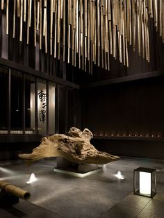 Japanese interior design with a touch of minimalism. Interior Lighting, Luxury Interior, Interior Architecture, Japanese Modern, Japanese Interior, Grand Hall, Design Oriental, Zen Style, Lobby Design