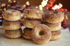 Bakte donuts med kanelsukker