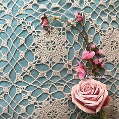 Crochet Clara Motif by Fionitta Crochet Granny, Crochet Motif, Crochet Designs, Crochet Baby, Crochet Cardigan, Crochet Shawl, Lace Doilies, Beautiful Crochet, Shawls And Wraps