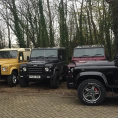 T W I S T E D automotive  amazing work at @twisted_automotive yesterday thanks for the hospitality  #twistedautomotive #twisted #defender #landrover #landroverdefender #landy #bespoke #trip #travel #journey #guerillacast #retro #colour #twisteddefender #offroad #4x4 #modified #v8 #yorkshire by guerillacast T W I S T E D automotive  amazing work at @twisted_automotive yesterday thanks for the hospitality  #twistedautomotive #twisted #defender #landrover #landroverdefender #landy #bespoke…